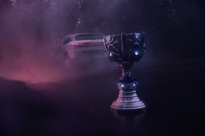 UPFRONT PHOTO & FILM GMBH: Frederic Schlosser for Mercedes-Benz x Riot Games