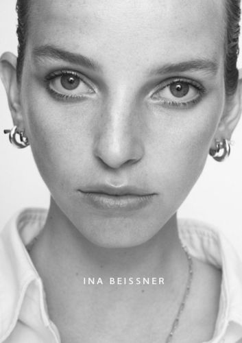 WILDFOX RUNNING: Yves Borgwardt for Ina Beissner Collection with Jamilla Hoogenboom