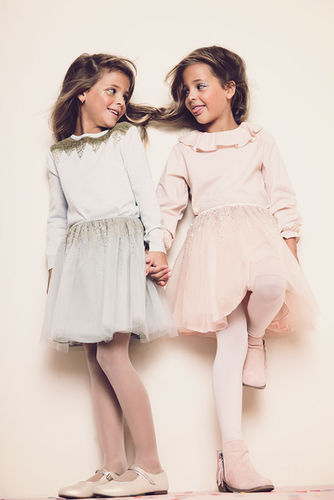 ALYSSA PIZER MANAGEMENT: Gretchen Easton Shoots Clements Twins For Mini Magazine Holiday