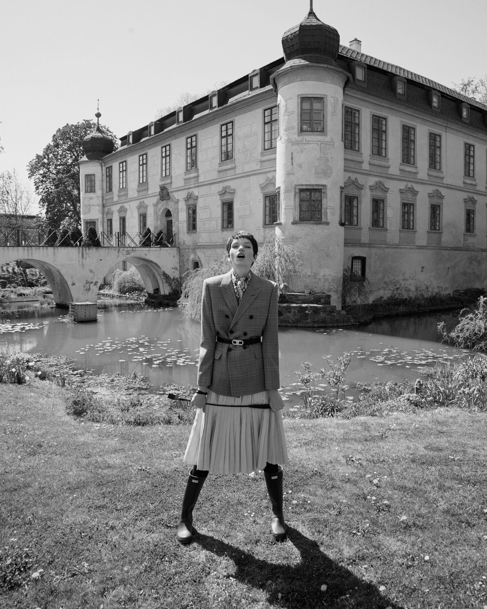 ANDREAS ORTNER: Eva Klimkova for DOLCE VITA Mag June 2020