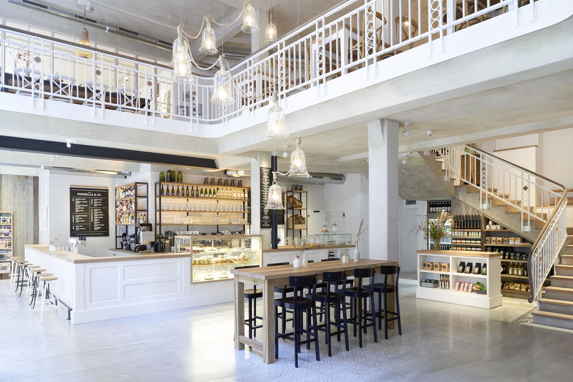 Restaurant Barefood, Barefoot Living