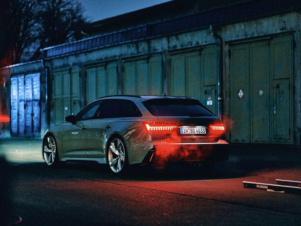 "ROCKENFELLER & GöBELS: Audi ""No Finish Line"" by Roberto Brundo"