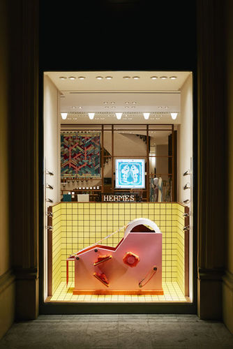 """EMEIS DEUBEL"" ""Sarah Illenberger"" ""Hermes"" ""Munich"" ""Window display"""