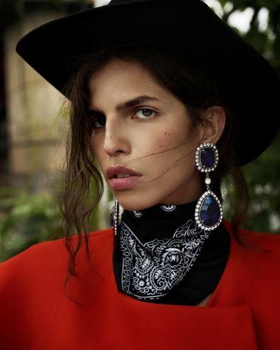 Vogue Arabie Starring Hayett Mc Carthy
