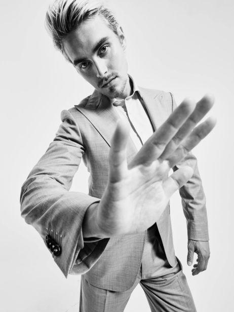 Dirk Bader c/o AVENGER PHOTOGRAPHERS