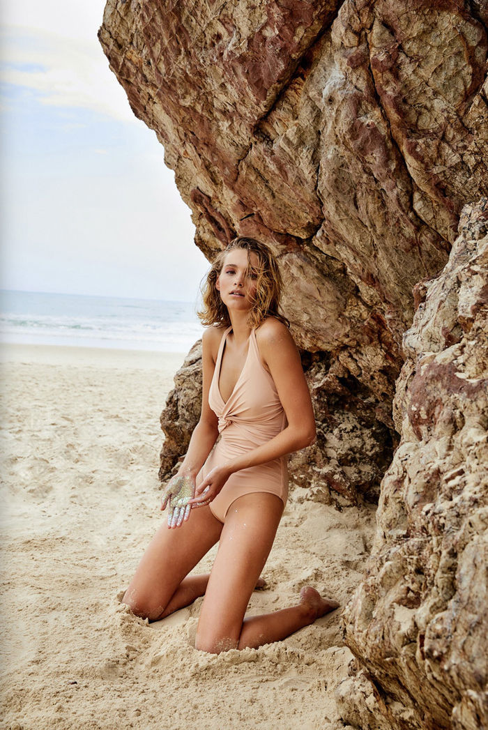 HILLE PHOTOGRAPHERS: Beachwear by Blasius Erlinger