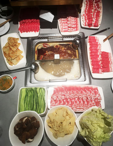 """my first meal at arrival in Shanghai at the fabulous hot pot restaurant """"haidilao"""""""