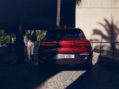 EMEIS DEUBEL: Michael Schnabel for Hyundai Genesis