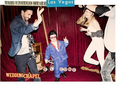 AFPHOTO : GET MARRIED IN VEGAS! House SS'16 teaser