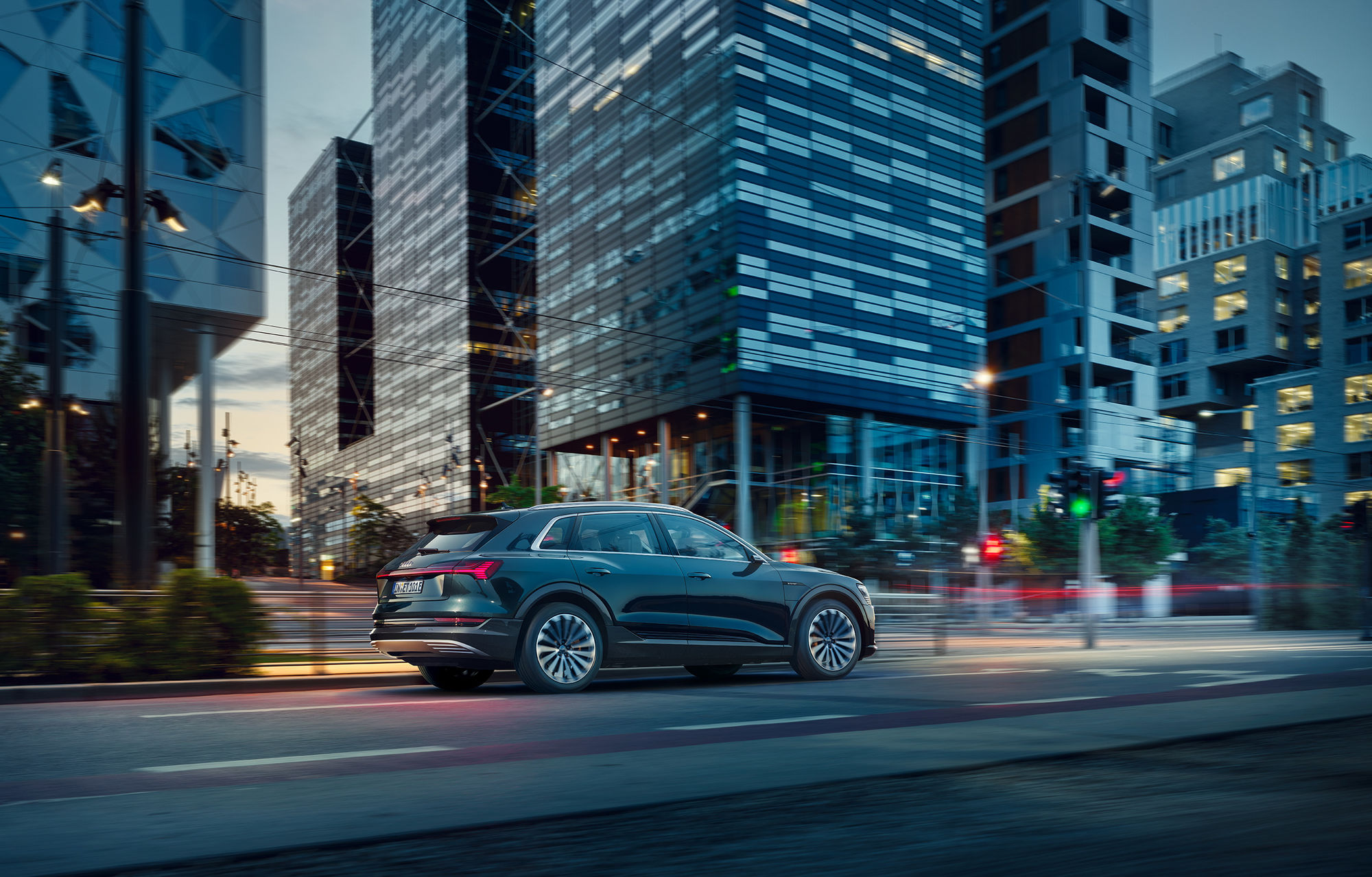 FRITHJOF OHM INCL. PRETZSCH international catalogue artwork for the first all-electric AUDI e-tron