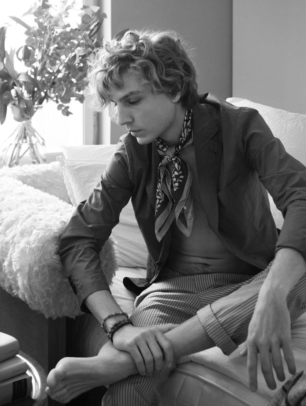 AGENT BAUER: Elin Svensson & Elin Eriksson for PLAZA Magazine