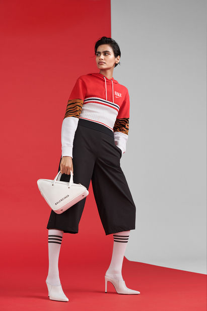 Sport Scheck Women Power Campaign 2019 - Post by Gold