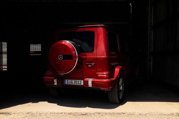 EMEIS DEUBEL: Tim Adler shoots Mercedes-Benz G-Class for antoni