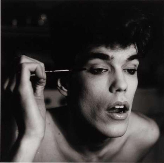 Peter Hujar, David Brintzenhofe Applying Makeup (II), 1982© 1987 The Peter Hujar Archive LLC, Courtesy: Gropius Bau | EMOP Berlin 2020