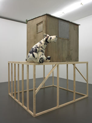 Cosima von Bonin, SCOTLAND (BEARDSLEY BEAR VERSION)