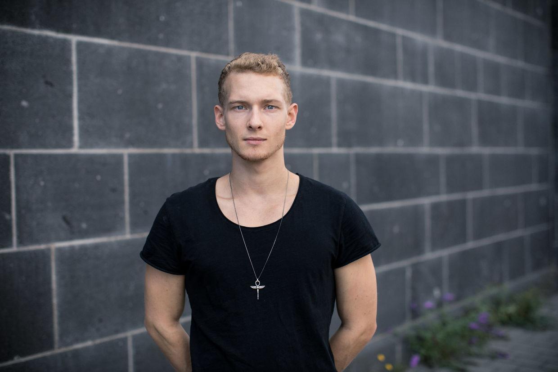 DOMINIK MENTZOS for Dresden Frankfurt Dance Company