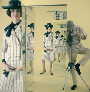 PHOTOGRAPHERS GALLERY : FASHION IN THE MIRROR, Norman Parkinson