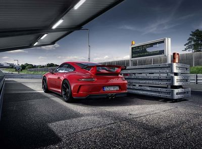 HARVEST DIGITAL AGRICULTURE for PORSCHE /  Born in Flacht. The new 911 GT3