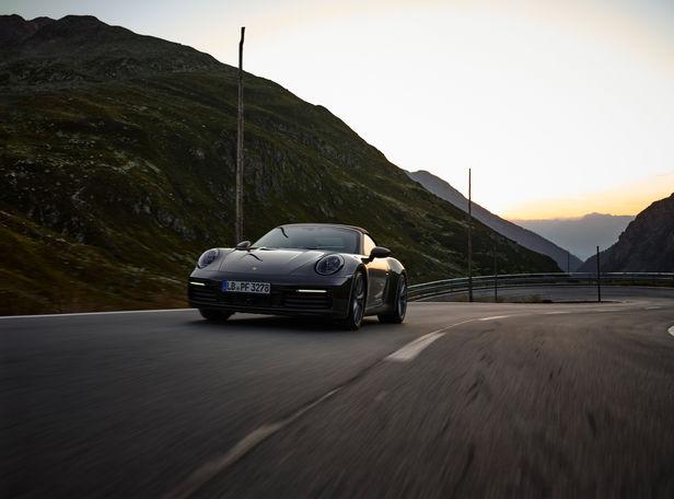 EMEIS DEUBEL: Özgür Albayrak: Porsche Personal work