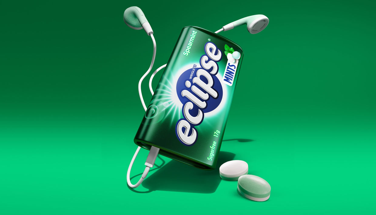 Cream Electric Art c/o JSR AGENCY created this burst of freshness for Wrigley's Extra advertising. The still work accompanies the motion created by the team and  is being used in The US across social, digital and instore.