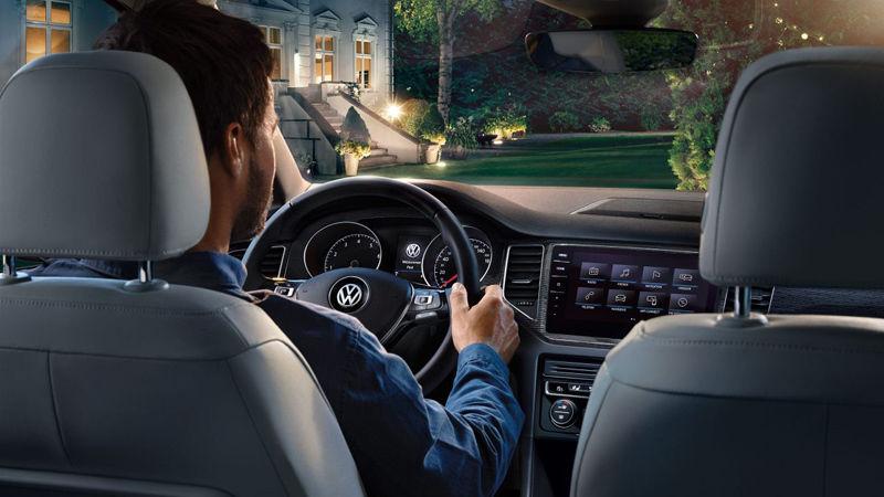 CLAAS CROPP CREATIVE PRODUCTIONS: MARC TRAUTMANN FOR VW GOLF SPORTSVAN