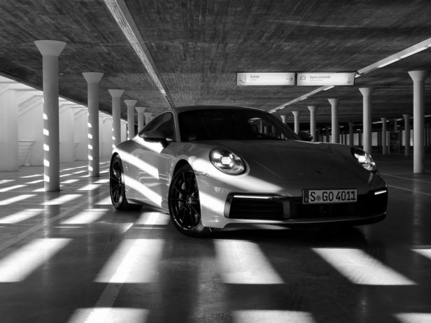 WILDFOX RUNNING: David Fischer for Huawei with a Coop with Porsche
