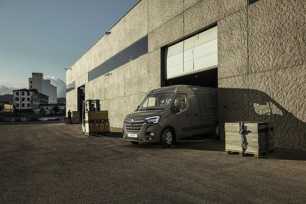 UPFRONT PHOTO & FILM GMBH: Thomas Motta for Renault