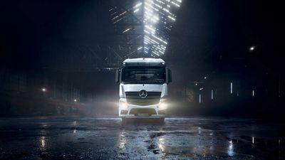 KLAUS STIEGEMEYER: Johannes Kühn for Mercedes Benz Trucks