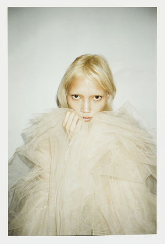 STINK: Photographer Vitali Gelwich shoots Charlotte Carey for the new German Glamour Cover