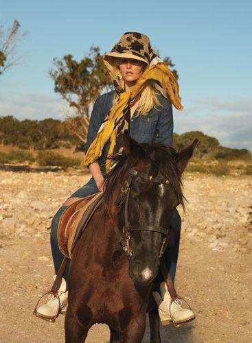 AGENT BAUER: Helen BORG for ELLE Romania