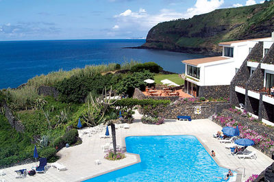 THEO WORMLAND: Valentines Special, win your holidays on the Azores