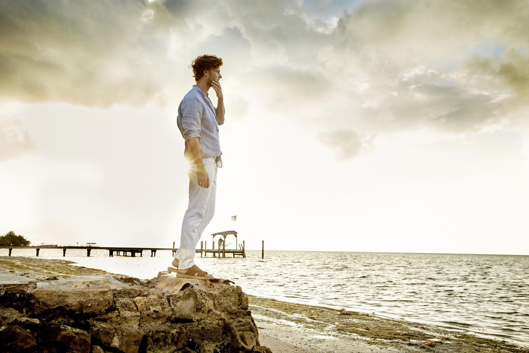 HILLE PHOTOGRAPHERS: Blasius Erlinger for Born Shoes