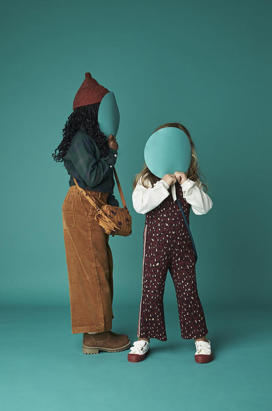 MIRIAM LINDTHALER C/O TOBIAS BOSCH FOTOMANAGEMENT FOTOGRAFIERT KID'S FASHION EDITORIAL 'FARBEN' FÜR ELTERN FAMILY