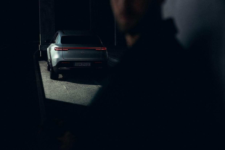 UPFRONT PHOTO & FILM GMBH: Frederic Schlosser for Mercedes-Benz EQC