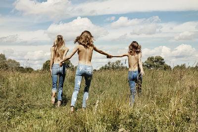 HILLE PHOTOGRAPHERS: Jens SCHMIDT & Lydia GORGES for MYTHERESA.COM