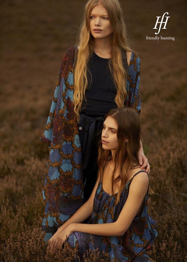 NINA KLEIN - Mascha Möller & Kerstin Huesges - Friendly Hunting