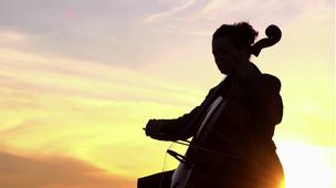 UPFRONT : Sven SINDT for WARNER MUSIC