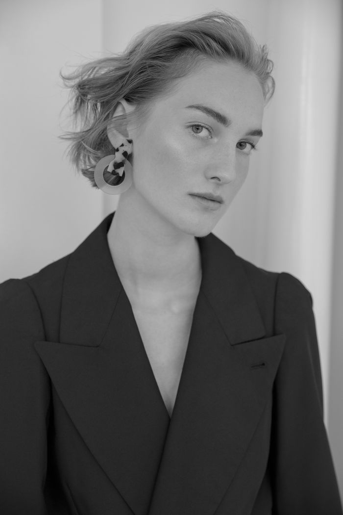 MD MANAGEMENT: Julia Necker by Janna Tode