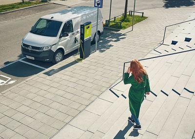 "ROCKENFELLER & GöBELS: Volkswagen ""Vibrant Power"" by Erik Chmil"