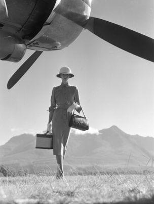 Gallery Vassie : Norman Parkinson, The Art of Travel, Vogue, 1951