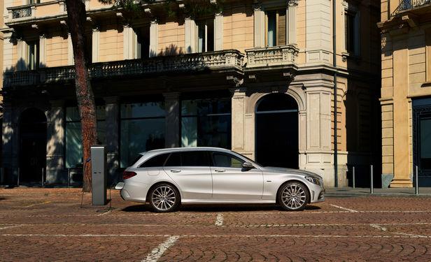 "SEVERIN WENDELER: ""Mercedes Benz Plug-in Hybrid campaign"" Photo by Sebastien Staub c/o Severin Wendeler"