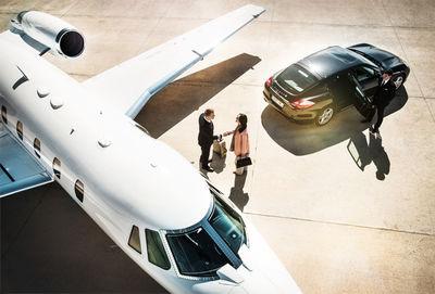SEVERIN WENDELER: Dominik MENTZOS : Lufthansa Privat Jet