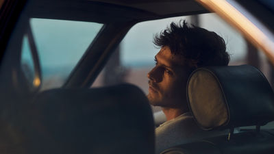 MARC TRAUTMANN: Personal work of 2 lovers in a quiet mood with the BMW 635CSI