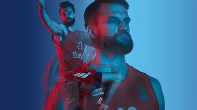 EMEIS DEUBEL: Holger Pooten for Bayern LB