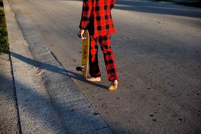 HENDRIK NENNECKE: Skateboarding