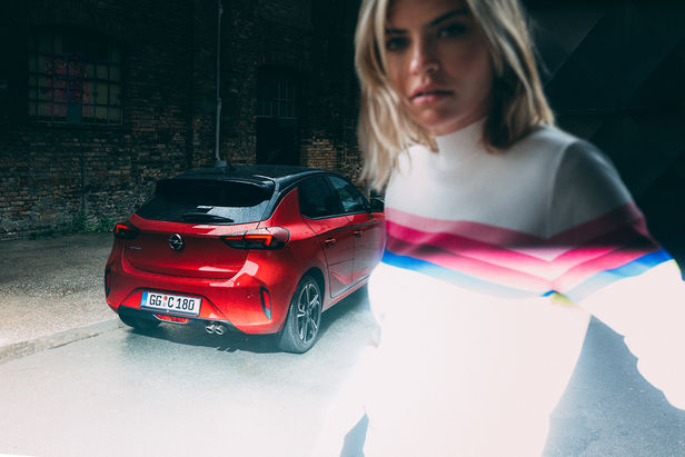 UPFRONT PHOTO & FILM GMBH: Frederic Schlosser for OPEL