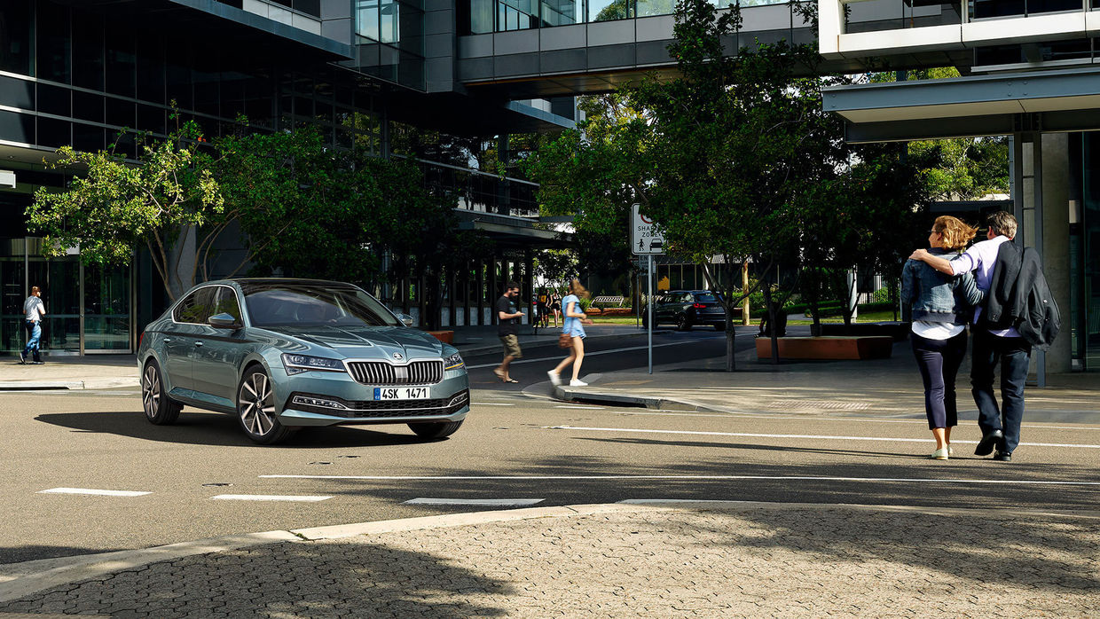 UPFRONT PHOTO & FILM GMBH: Thomas Motta for SKODA