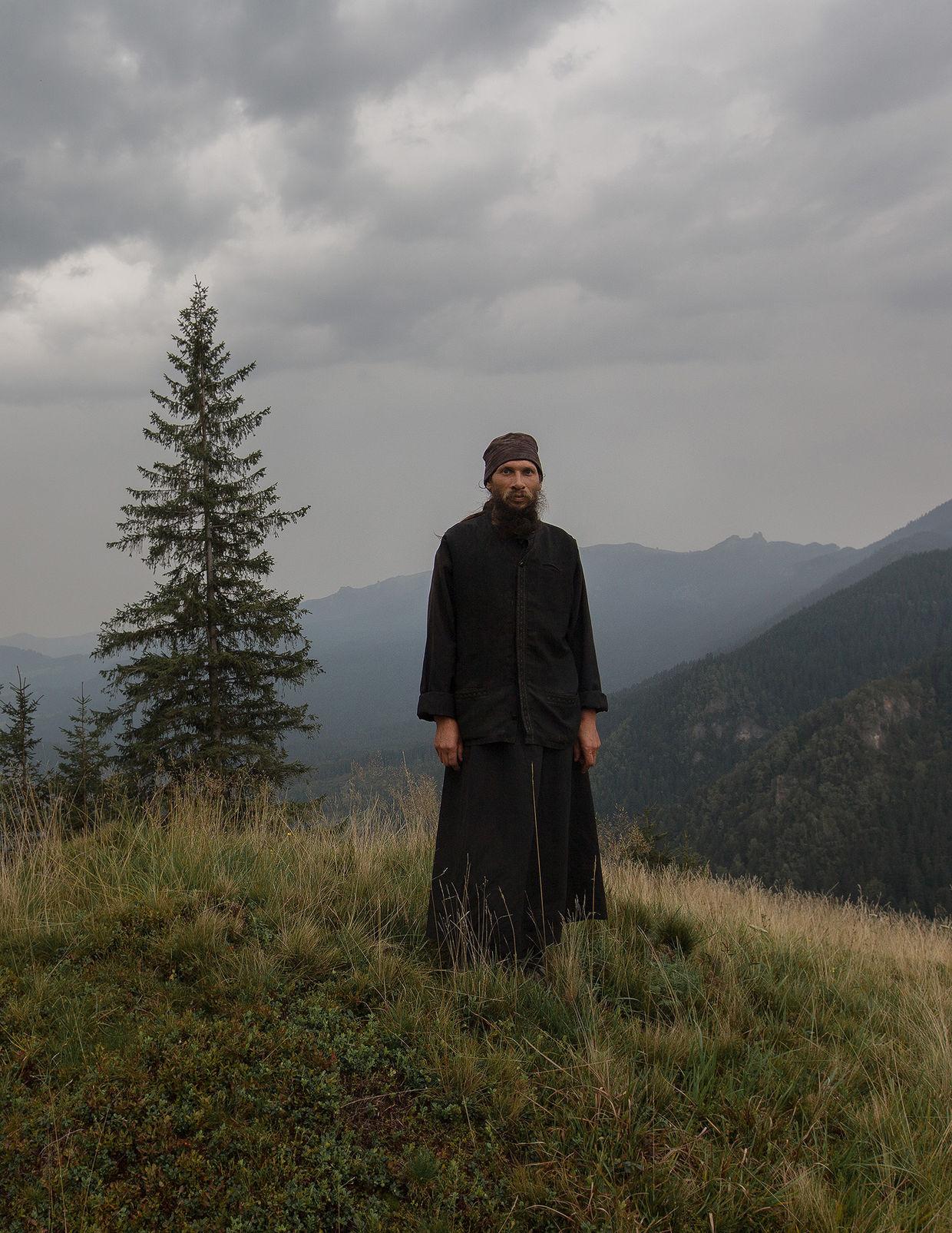 CHRISTA KLUBERT PHOTOGRAPHERS: OLIVER MARK CAPTURING THE BOKUVINA LIFE