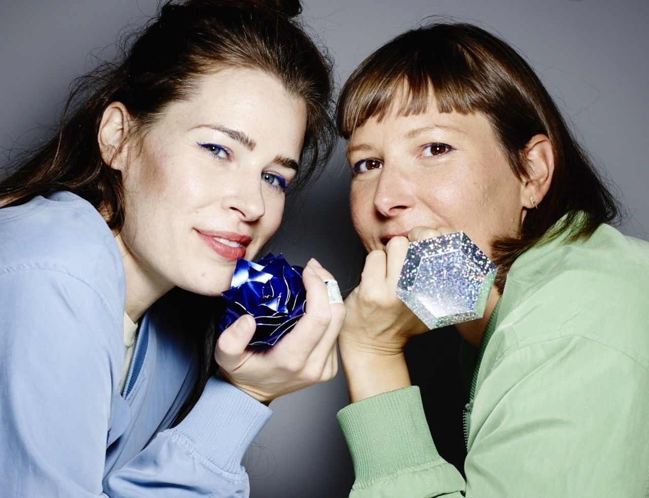 COSMOPOLA   Cris Wiegandt & Lacy Barry for CANVAS BAR BOMBAY SAPPHIRE
