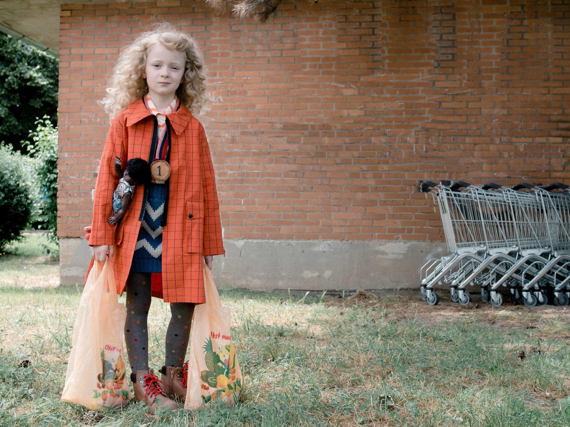 WILDFOX RUNNING: Feli&Pepita for Mini Maven Magazine wit 'Sweet Suburban Sky'